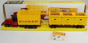 Dinky 1969 DINKY #881GMC CIRCUS TRUCk & TRAILER EXC+/nr-MINT  W/ VG BOX & EXC STAND