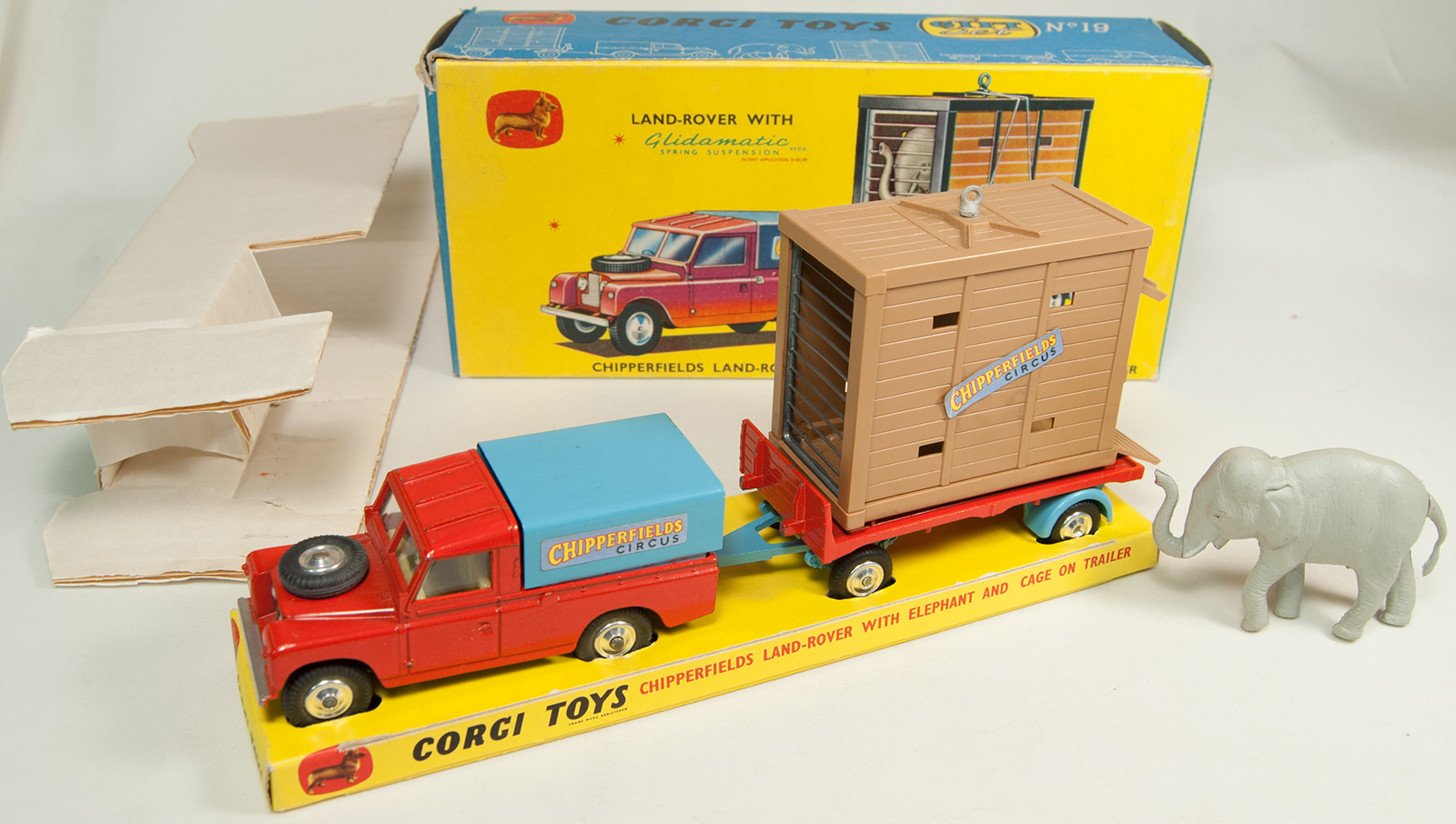 Corgi 1962 CORGI #GS-19 CHIPPERFIELDS LAND ROVER W/ ELEPHANT/CAGE nr-MINT W/ EXC BOX