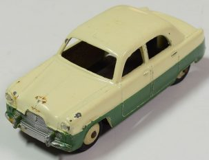 Dinky 1956 DINKY #162 FORD ZEPHYR CREAM/DK GREEN OXIDIZED BASE VG+ CONDITION. CAT $150