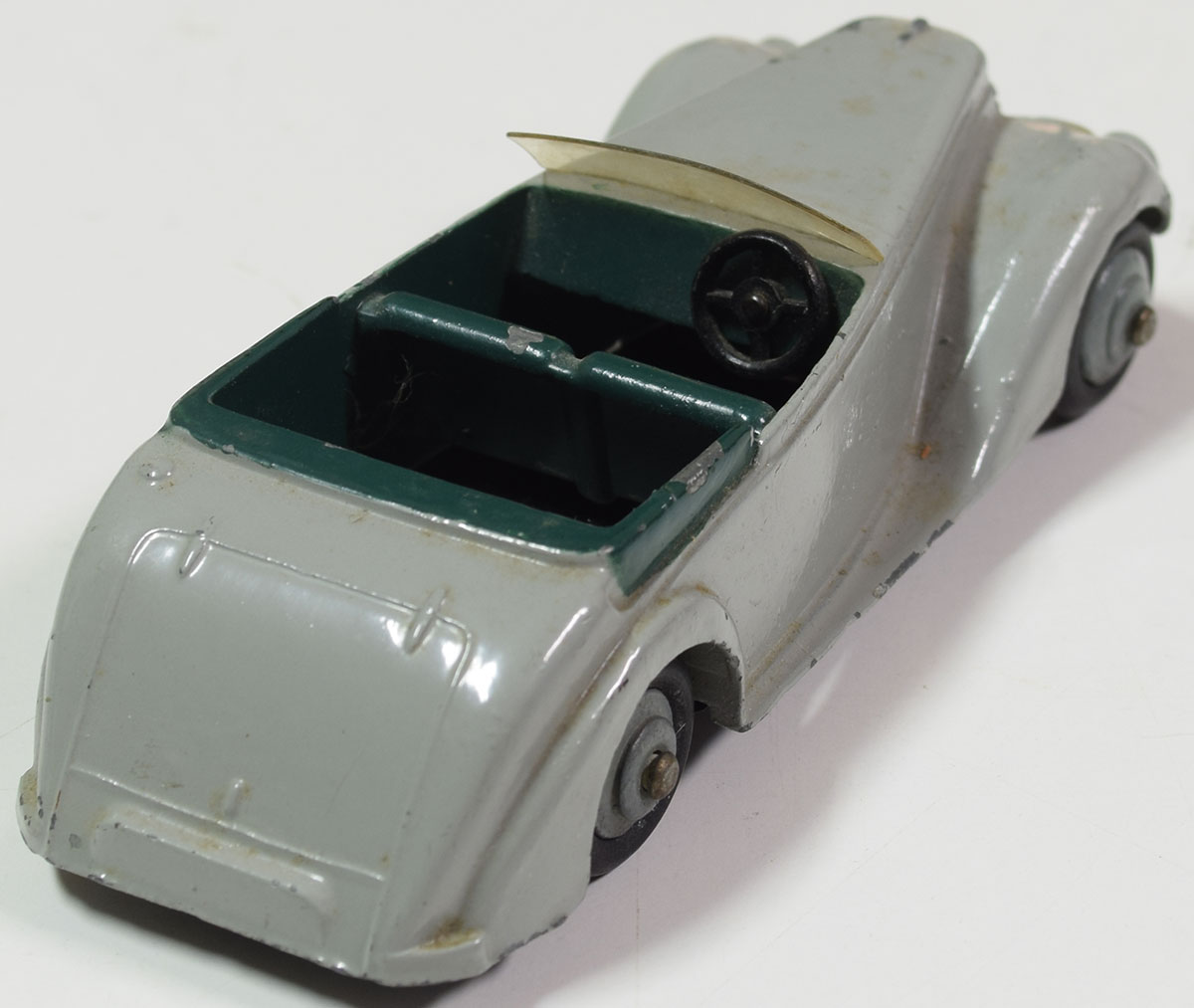 Dinky 1947 DINKY #38E ARMSTRONG SIDDELEY COUPE. OLIVE HUBS CAT $375 VG+/EXC