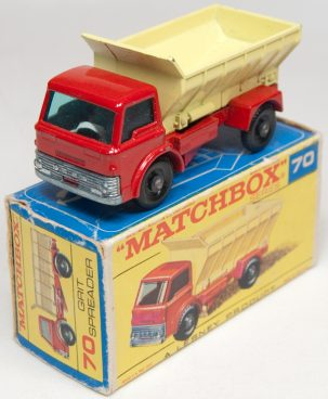 Matchbox 1966 MATCHBOX #70 GRIT SPREADER  MINT W/ VG BOX