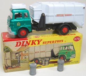Dinky 1964 DINKY #978 REFUSE WAGON W/ TRASH BINS near-MINT W/ EXC BOX