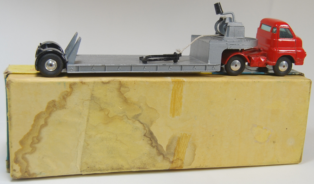 Corgi 1958 CORGI #1104 CARRIMORE ARTICULATED MACHINERY CARRIER EXC w/ GOOD+ BOX