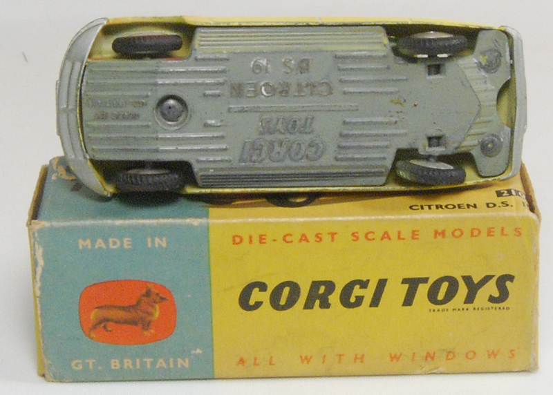 Corgi 1960 CORGI #210 CITROEN D.S. 19 VG w/ GOOD BOX