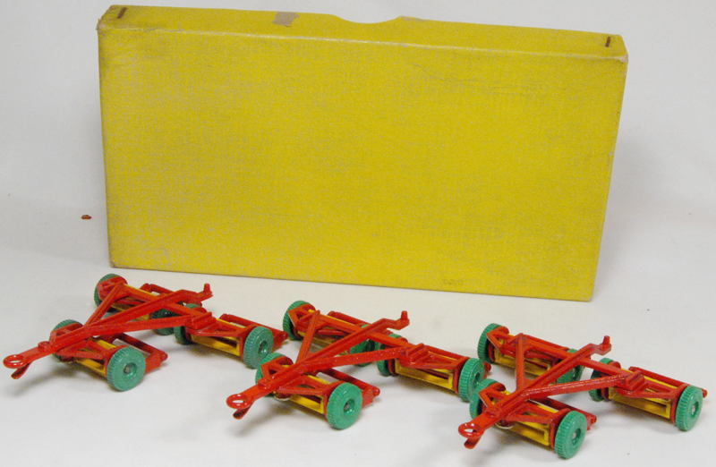 Dinky 1952 DINKY #27-J TRIPLE GANG MOWER – TRADE BOX OF 3 near-MINT W/ VG+/EXC BOX