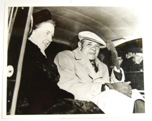 Other Collectibles 1947 RARE BABE RUTH 8X10 PHOTO, LEAVING HOSPITAL W/ HIS NURSE, EXC OLD UPI STAMP