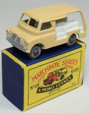 Matchbox 1956 MATCHBOX #29 BEDFORD MILK VAN, MW near-MINT W/ near-MINT BOX