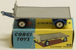 Corgi CORGI 101 FLATFORM TRAILER, VG+/EXCELLENT MODEL W/ EXCELLENT BOX!