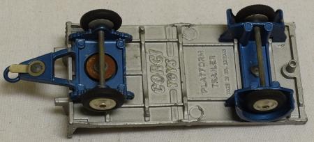 Corgi CORGI 101 FLATFORM TRAILER, VG+/EXCELLENT MODEL W/ EXCELLENT BOX!