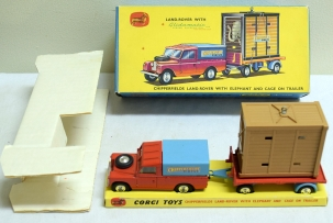Corgi CORGI GIFT SET 19, CHIPPERFIELDS LAND ROVER, ELEPHANT CAGE ON TRAILER, EXC/BOX!