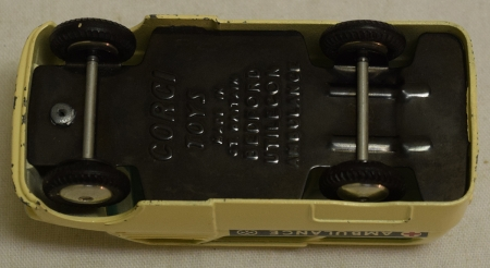 Corgi CORGI 412 BEDFORD UTILECON AMBULANCE, NEAR-MINT MODEL W/ EXCELLENT+ BOX!