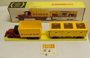 Dinky DINKY 881 PINDER CIRCUS TRUCK W/ TRAILER, NEAR-MINT MODEL W/ VG BOX!