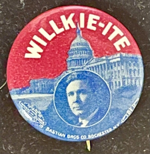 Post-1920 SCARCE 1940 WILLKIE-ITE GRAPHIC 7/8″ CAMPAIGN BUTTON, COLORFUL & MINT!
