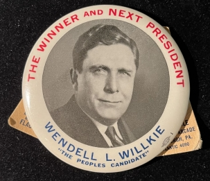 """Post-1920 RARE 1940 3 1/2″ """"THE WINNER AND NEXT PRESIDENT"""" WILLKIE EASEL BACK BUTTON-MINT!"""